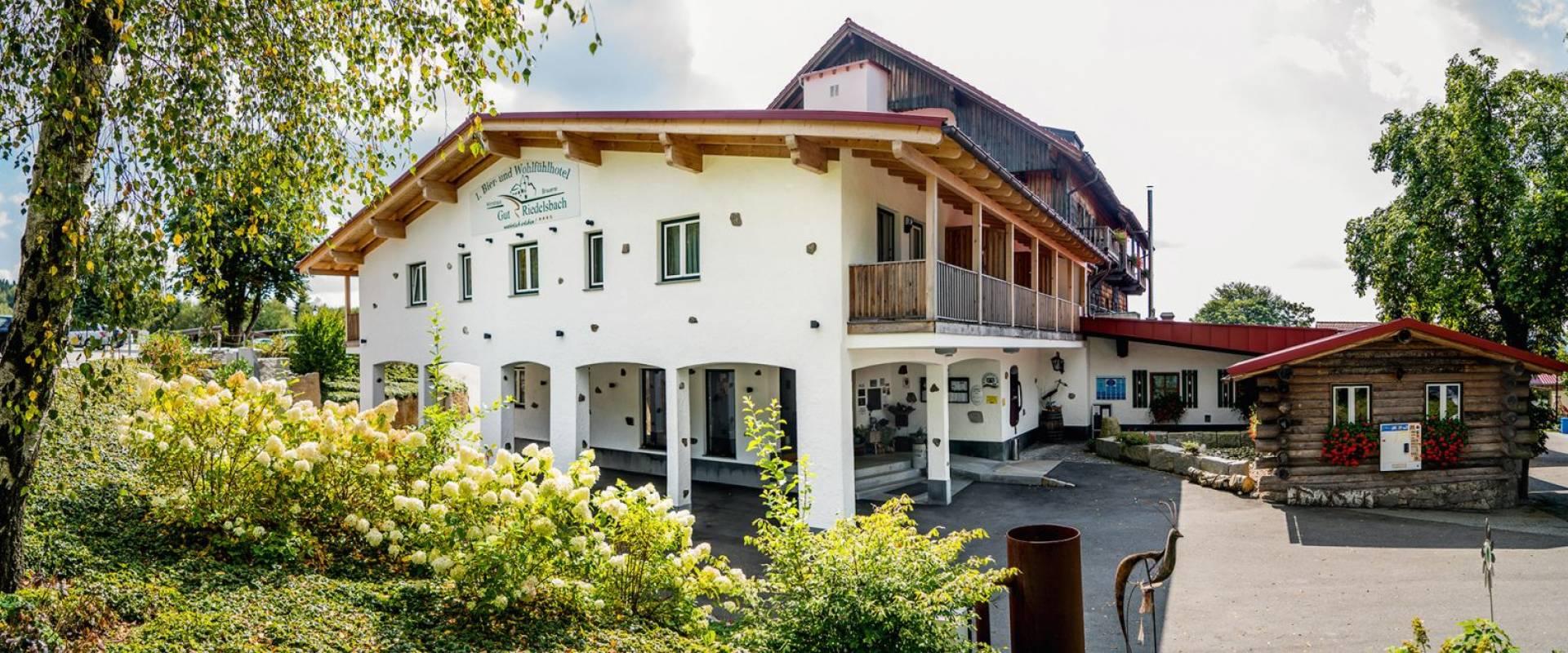hotels bayerischer wald land und wellnesshotels in niederbayern. Black Bedroom Furniture Sets. Home Design Ideas